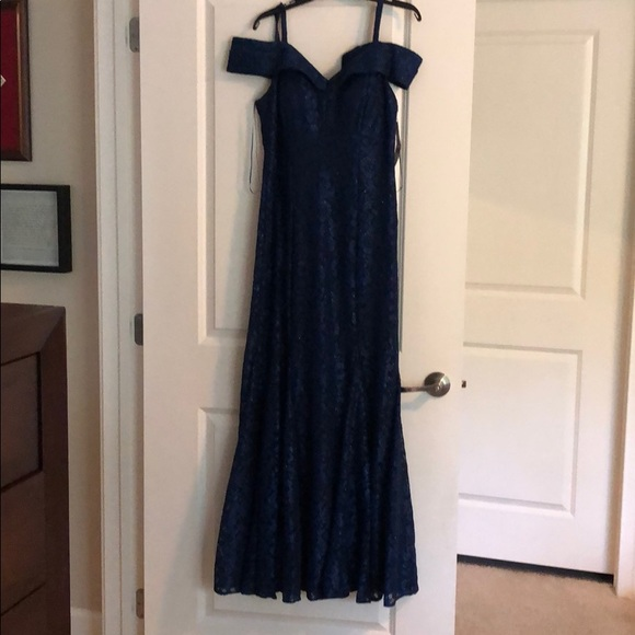 R & M Richards Dresses & Skirts - Navy, sparkly floor length formal, lacey overlay.